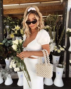 Wearing my Sunday best to get some fresh flowers + eucalyptus to hang in the shower 🌿💫 Do you guys have flower stands where you live? Popular Short Hairstyles, Girl Hairstyles, Braided Hairstyles, Blonde Hair Looks, Mein Style, Cute Girl Outfits, Hair Inspo, Hair Trends, New Hair