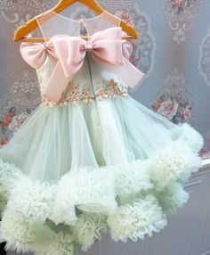 Call or Whatsapp 8288944518 to order this lovely pastel frock for little ones 😍 Baby Girl Frocks, Frocks For Girls, Kids Frocks, Kids Party Wear Dresses, Little Girl Dresses, Outfits Niños, Kids Outfits, Green Flower Girl Dresses, Fancy Dress For Kids