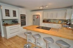 Fitted Kitchen G44 Cream Shaker Units With Solid Oak Worktops & Fired Earth Metro Tiles Limehouse - Kitchen Fitters Glasgow