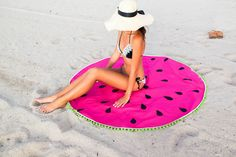 Step by Step easy tutorial to make your own DIY watermelon round towel! Get beach ready with the easy sewing project for a round towel!