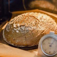 Chléb z žitného kvásku recept - Vareni.cz Camembert Cheese, Dairy, Bread, Food, Meal, Brot, Eten, Breads, Meals