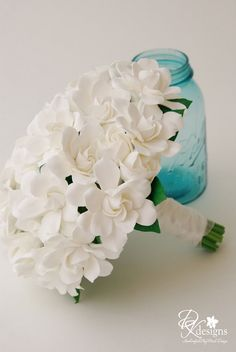 white gardenia bouquet   WHAT A BEAUTIFUL SMELL!