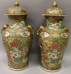 Par de vasos em porcelana Chinesa de Cantao do sec.19th, 42cm de altura, 8,530 USD / 7,560 EUROS / 30,150 REAIS / 55,180 CHINESE YUAN soulcariocantiques.tictail.com