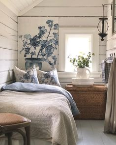 Tiny Spaces, Attic Spaces, Beautiful Bedrooms, Beautiful Interiors, Eclectic Living Room, Tiny House Living, Cottage Homes, Bedroom Styles, Home Decor Bedroom