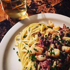 Taste so good and this Chardonnay Prawn, Shrimp, Linguine, Ham, Spaghetti, Food Porn, Wine, Fresh, Ethnic Recipes