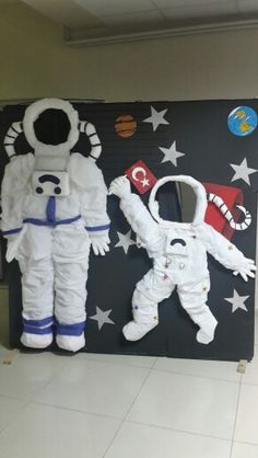 """The post pixels"""" appeared first on Pink Unicorn activities Wedding Space Projects, Space Crafts, School Projects, Space Theme Classroom, Outer Space Theme, Space Activities, Mission To Mars, Summer Reading Program, Ideias Diy"""