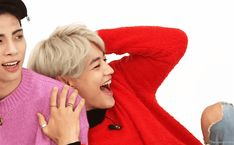 """ Minho's cute habit when he's suffering hand embarassment ♡ "" Shinee Jonghyun, Lee Taemin, Shinee Members, Best Duos, Choi Min Ho, Kim Kibum, Golden Child, Kpop Boy, K Idols"