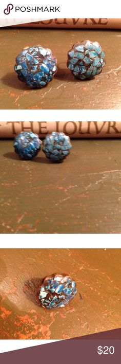 "Vintage Turquoise Chip Screw-Back Clip Earrings This is a vintage pair of turquoise chip screw-back earrings set in black grout & brass surround.  The edges...brass...are scalloped.  Condition: PLEASE SEE PICS...a little uneven on the surface, but overall they are solid.    Measurements: 1 6/8th"" diameter 1/8"" depth Vintage Jewelry Earrings"