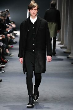 Neil Barrett Fall 2015 Menswear Collection Photos - Vogue