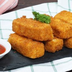 Nugget Tahu Wortel Carrot Tofu Nugget is an innovation of cheap, healthy, tasty, homemade frozen food. It& one solution for moms to make their children eat tasty ve. Beef Recipes, Chicken Recipes, Cooking Recipes, Healthy Recipes, Healthy Chicken, Best Frozen Meals, Nuggets Recipe, Comfort Food, Diy Food