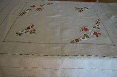 toalhas de mesa bordadas a mão - Pesquisa Google
