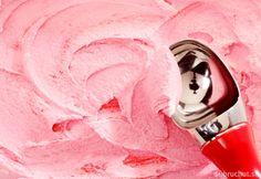Jahodová zmrzlina s tvarohom Icing, Goodies, Frozen, Ice Cream, Cooking, Recipes, Food, Sweet Like Candy, No Churn Ice Cream