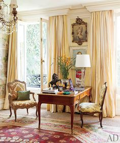 At Home with Jorge Elias in Sao Paulo, Brazil Photos Architectural Digest Architectural Digest, Restoration Hardware Lamps, My Living Room, Living Spaces, Jorge Elias, Parisian Chic Decor, Exotic Bedrooms, Style Deco, Traditional Decor