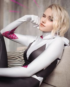 Geek Discover Gwen Stacy cosplay by Shirogane Cosplay Games Cute Cosplay Amazing Cosplay Best Cosplay Cosplay Diy Gwen Stacy Marvel Cosplay Anime Cosplay Spiderman Cosplay