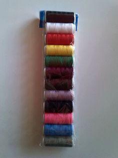 Vendita di 1 blister contenente 12 rocchetti di filo per cucire #ecommerce #homebusiness #negozi #negozio #shopping #merceria #mercerie #merciaia #merciaie #merciai #merciaio #sartoria #sartorie #sarta #sarte #sarti #sarto #cucire #cucita #cucite #cuciti #cucito #fili #filo #rocchetta #rocchette #rocchetti #rocchetto #entrataliberashopping