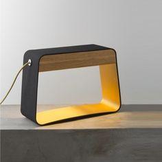 #designer #DavideOppizzi #EaudeLumière  #iconique  #parfum #designheure #design #tablelamp#lampe #lamp #lighting #light #luminaire #lumière #lampeàposer #black #oak #noir #chêne