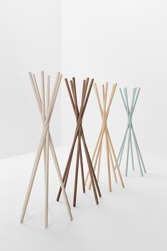 Ash coat stand TANGO 700 Tango Collection By Billiani design Timo Ripatti Scandinavian Living, Scandinavian Design, Tango, Vintage Umbrella, Standing Coat Rack, Vintage Clothing Stores, Second Hand Stores, Coat Stands, Contract Furniture