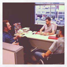 Ontem recebemos a visita do nosso designer Arthur Presser, que mora na China.  Veja como foi: http://www.diariodoqueijo.com.br