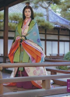 A woman dressed in junihitoe. Heian Era, Heian Period, Japanese Fabric, Japanese Kimono, Traditional Fashion, Traditional Dresses, Japanese Princess, Japanese Costume, Kimono Design