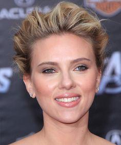 Scarlett Johansson Formal Curly Hochsteckfrisur Frisur - Dark Blonde - http://www.promifrisuren.com/promi/scarlett-johansson-formal-curly-hochsteckfrisur-frisur-dark-blonde/
