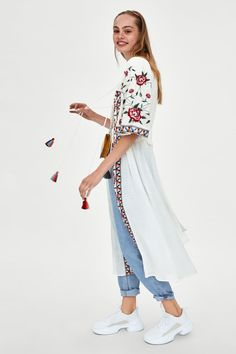 Image 4 of EMBROIDERED TUNIC DRESS from Zara Abrigos Mujer d19e59a64d34