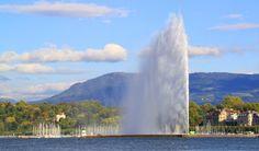 Jet d'Eau (Ginebra, Suiza) Uno de los monumentos más famosos de Ginebra, el Jet d'Eau se encuentra en la unión donde el lago Ginebra se encuentra con el río Ródano. Una versión del Jet d'Eau ha estado en funcionamiento desde 1886. Su propósito original fue ser utilizada como una liberación de seguridad para una red de energía hidroeléctrica. Hoy cuenta con una de las pulverizaciones de agua más altas del mundo, que alcanzan alturas de hasta 140 metros.