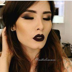 Como não amar essa Make incrível em tons neutros e Soft Matte Lip Cream Transylvania da maquiadora @instadasamia?