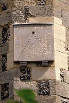 Reloj de sol de cuadrante vertical