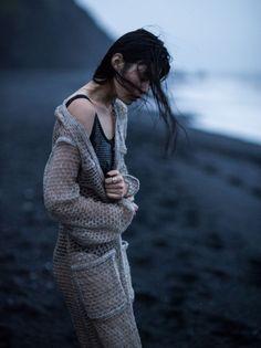 Ming-Xi-Vogue-China-January-2016-Photoshoot10