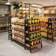 Cafe Interior Design, Cafe Design, Bakery Design, Shop Shelving, Store Layout, Regal Design, Retail Store Design, Store Interiors, Shelf Design
