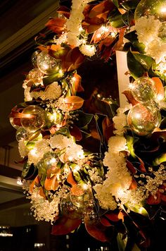 Holiday Decor, DIY, Christmas Decorations, Table Setting || Colin Cowie Weddings