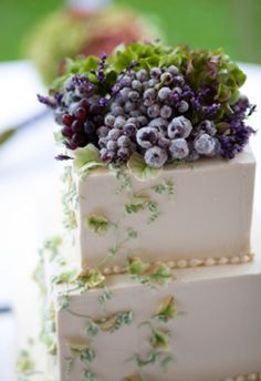 Grapes Wedding cake. Would be great for a wine country wedding.
