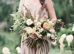 Mountain Engagement Session with Fall-inspired bouquet.