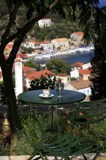 Likoudis villas are situated in one of the most beautiful locations of Kioni