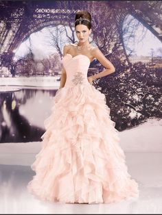 Vintage Bridal Gowns Plus Size Ball Gown Sweetheart Ruffle Organza Lace Up Back Indian Wedding Dress With Beadings Plus Wedding Dresses, Wedding Dress Sizes, Princess Wedding Dresses, Cheap Wedding Dress, Bridal Dresses, Organza Bridal, Wedding Dress Organza, Strapless Dress Formal, Gown Wedding