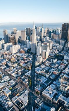 San Francisco - These Stunning Skylines Are A City Lover's Dream - Photos San Francisco California, San Francisco Skyline, Sierra Nevada, The Places Youll Go, Places To See, Monuments, City Vibe, City Boy, Tumblr Photography