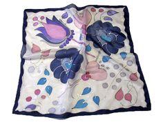 Fesd meg saját selyemkendődet a kezdő selyemfestés tanfolyamon!  www.silkyway.hu/selyemfestes-tanfolyam Shibori, Nespresso, Diaper Bag, Silk, Painting, Fashion, Silk Painting, Ideas, Scarf Head