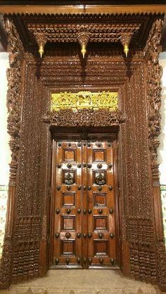 Antique wooden carved door. | Intricate INDIA | Pinterest | Doors ...