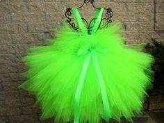 PIXIE FAIRY GREEN, neon green tutu dress, fairy princess dress, photo props, girls tutu dress, lime green costume, party tutu dress. Comes in baby 3-24 months size.  This super cute dress is a bright,
