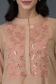 Best 12 Peach Resham and Mirror Work Long Tunic Kurta Neck Designs For Suits, Dress Neck Designs, Designs For Dresses, Blouse Designs, Hand Embroidery Dress, Kurti Embroidery Design, Embroidery Fashion, Couture Embroidery, Applique Dress