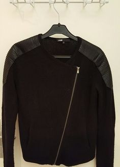 A vendre sur #vintedfrance ! http://www.vinted.fr/mode-femmes/pull-overs-and-sweat-shirts-cardigans/20651790-superbe-cardigan-maje-gachette-noir