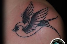 Tattoo birds are the perfect choice both for men tattoos and women tattoos for your old school tattoo style.