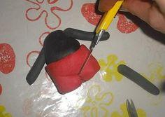 Paso a paso: modelar a Mickey Mouse con fondant