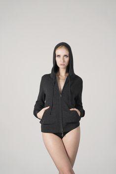 "Cozy Cardigan ""Dana"" for Fashion ladies - handmade in Germany from Simone Cuntz. Check simonecuntz.de"
