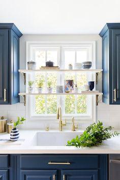 Kitchen Window Shelves, Small Kitchen Storage, Kitchen Blinds Above Sink, Kitchen Cabinets, Dark Cabinets, Windows In Kitchen, Kitchen Worktop, Kitchen Counters, Kitchen Islands