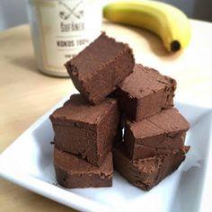 Zdravé mlsání - kakaové kostky s kokosovým máslem | DIY MINI PROJEKTY Healthy Cake, Healthy Desserts, Healthy Cooking, Sweet Desserts, Food Inspiration, Food Porn, Good Food, Food And Drink, Low Carb
