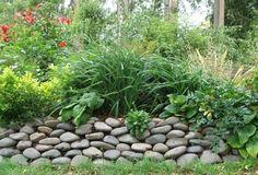 retaining garden wall stones flowerbed backyard ideas