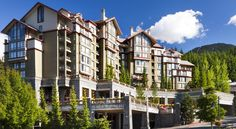 The Westin Resort and Spa, Whistler Whistler Just 2 minutes' walk from Whistler Blackcomb Gondola, this hotel features a spa and wellness centre.  A kitchen is offered in all rooms.  An outdoor pool and 2 hot tubs are provided for guest use.