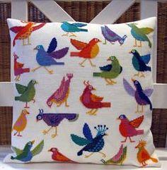 Fjollede Fugle - Strik og broderi - garn, kits og designs i Sommerfuglen