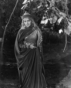 The Adventures of Robin Hood - Olivia de Havilland as Maid Marian 1938
